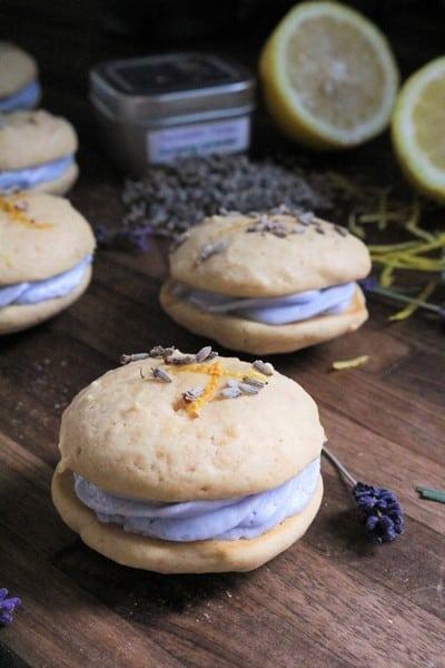Lemon Lavender Whoopie Pies #whoopiepies #lavender