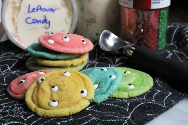 Neon Sugar Cookies with Candy Eyes #wilton #halloweenparty