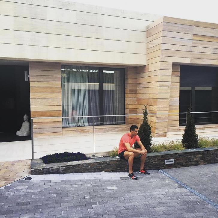 Kết quả hình ảnh cho ronaldo house madrid