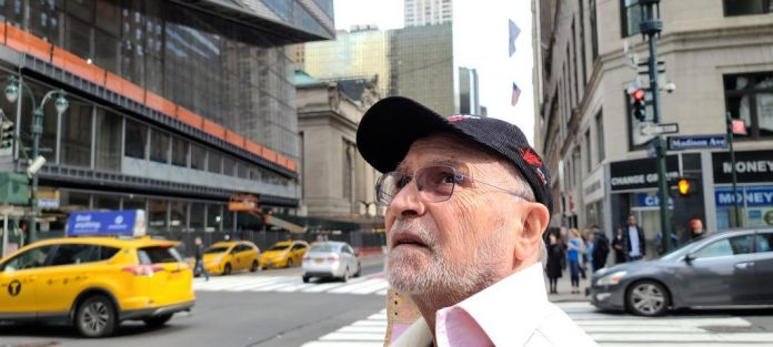Meet Abbe 'DieHardBirdie' Drakborg, a 78 year old CSGO world champion! - THE SPORTS ROOM