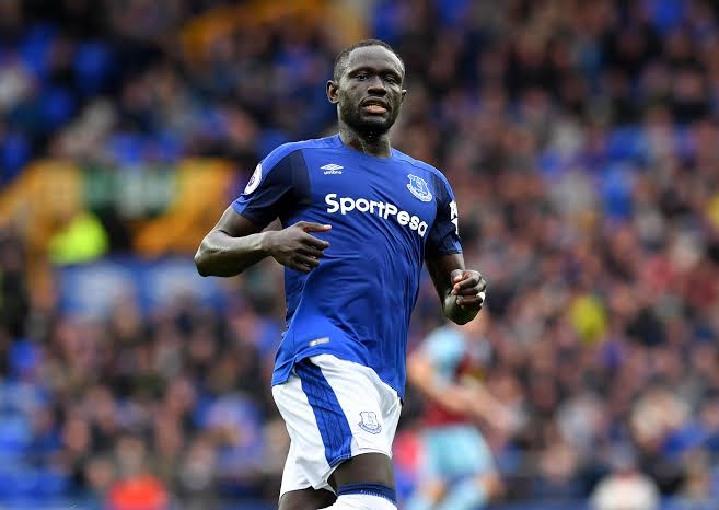 Former Everton striker Oumar Niasse reveals receiving harsh treatment from Ronald Koeman - THE SPORTS ROOM