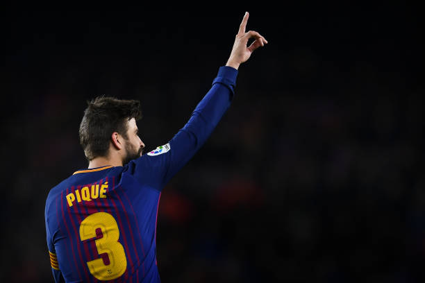 Pique volunteered to assist charter planes carrying COVID-19 medical supplies - THE SPORTS ROOM