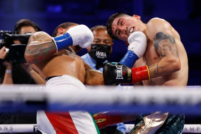 Gervonta Davis becomes WBA Junior Lightweight Champion with a vicious knockout blow to Leo Santa Cruz - THE SPORTS ROOM