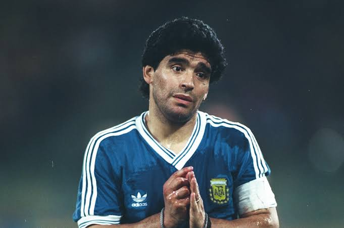 Naples, World Cup and his greatest match: A tribute to Diego Maradona, a near-god bound by humanity - THE SPORTS ROOM