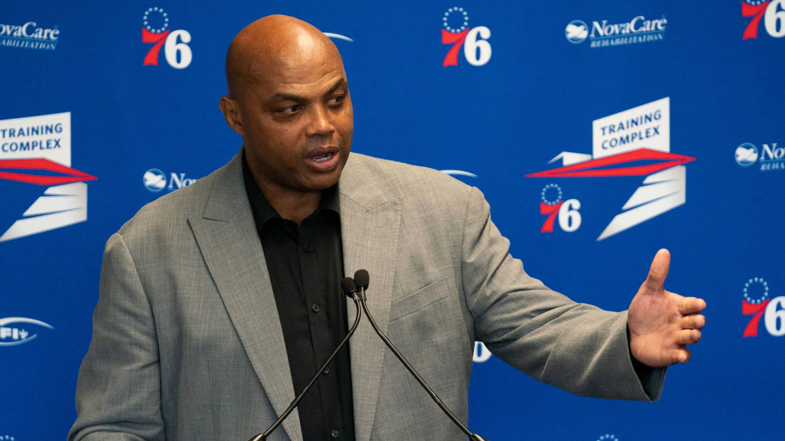 Charles Barkley criticises Kyrie Irving for being 'unprofessional' following media blackout saga - THE SPORTS ROOM