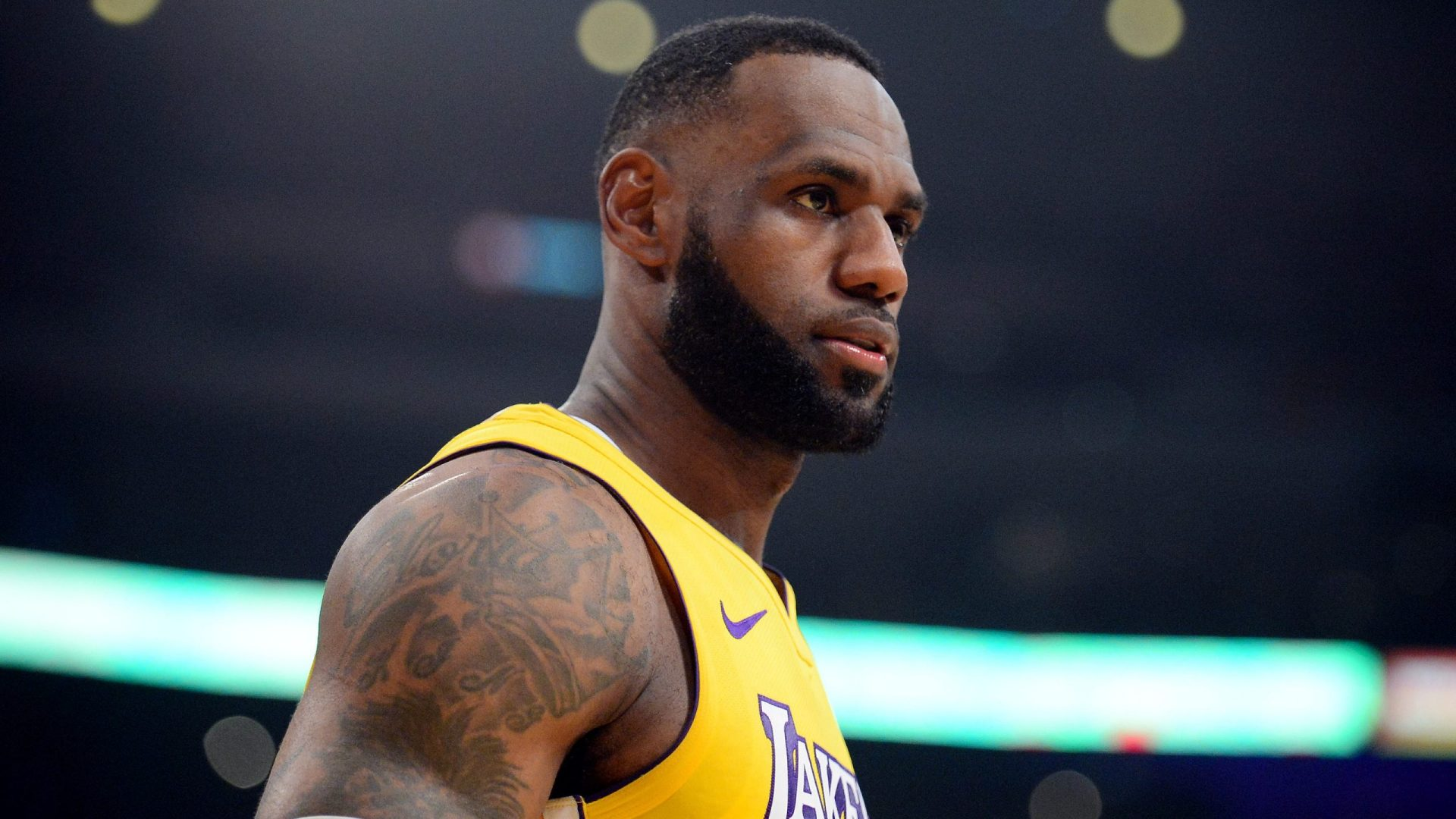 LeBron James reveals he received invitations from these 2 NFL teams! - THE SPORTS ROOM