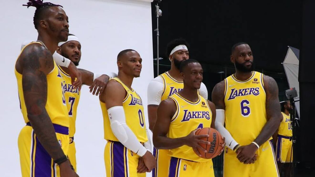 Can This Vintage Los Angeles Lakers Roster Take the 2021-22 Crown? - THE SPORTS ROOM