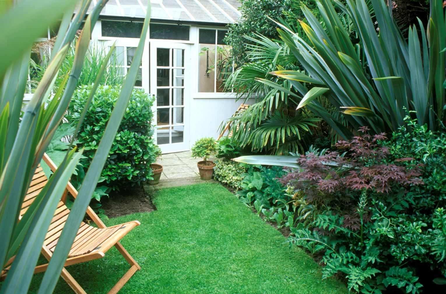 23 Landscaping Ideas for Small Backyards on Landscape Garden Designs For Small Gardens id=75017