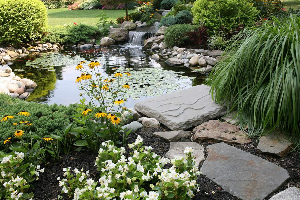 25 Pond Waterfall Designs and Ideas on Small Pond Waterfall Ideas id=32074