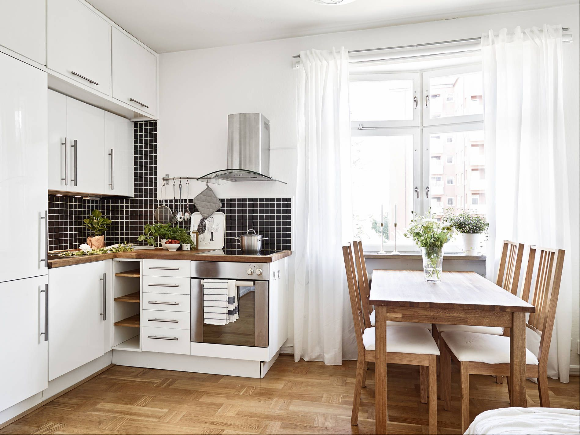 8 Space-Making Hacks for Small Kitchens on Simple Bathroom Designs For Small Spaces  id=37620