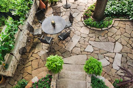 design a flagstone patio and walkway