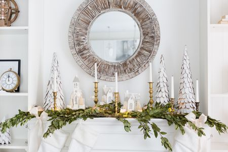 34 Easy and Elegant Christmas Mantel Ideas perfect Christmas mantel