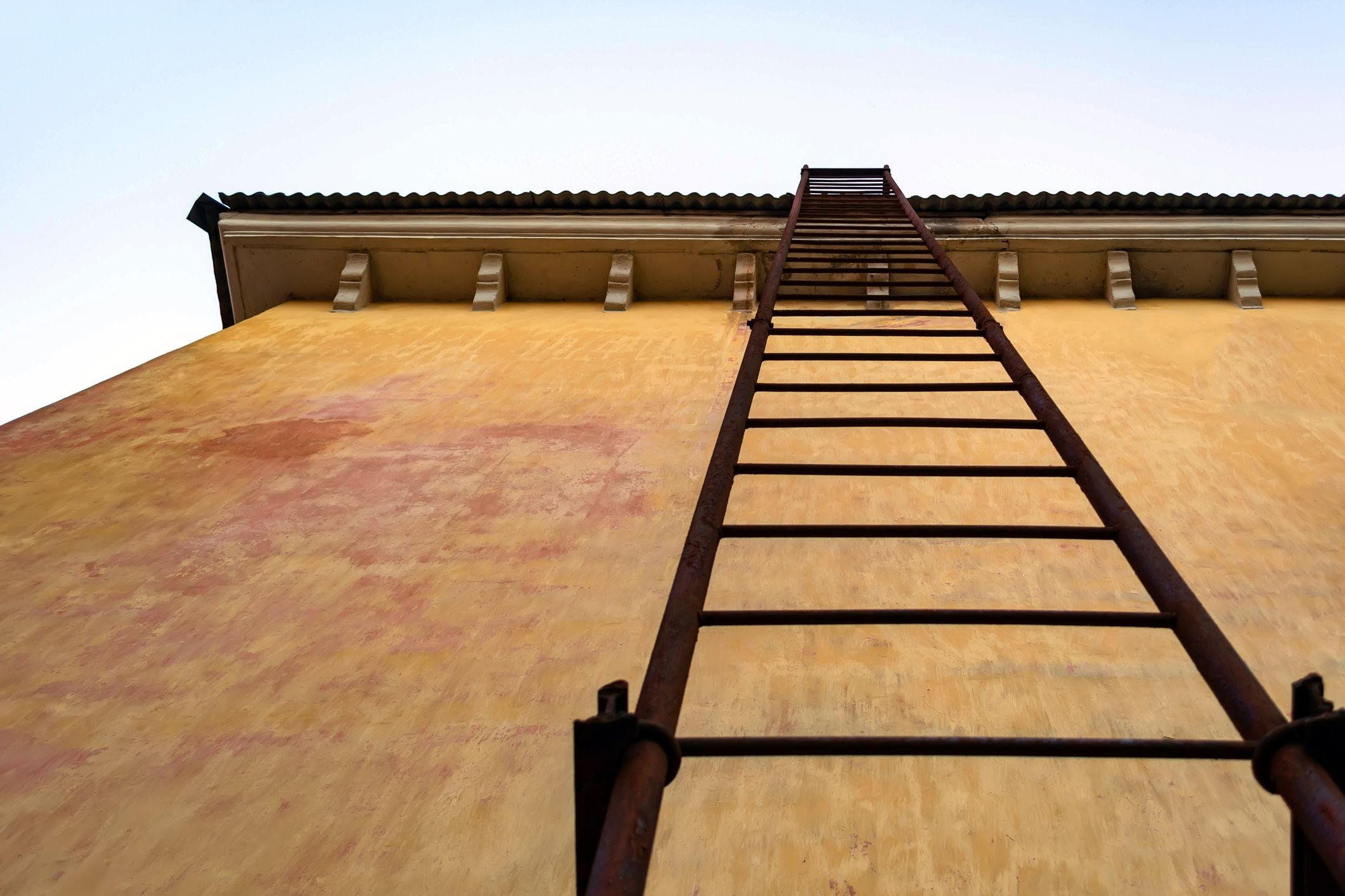 The 8 Best Fire Escape Ladders Of 2020 According To An Expert | Metal Fire Escape Stairs For Sale | Low Poly | Stair Treads | Building | Wrought Iron | Bim Cad