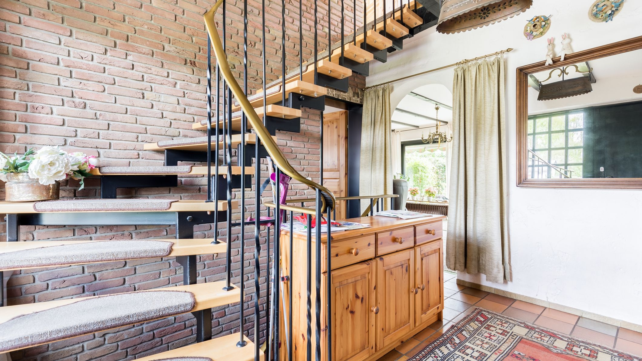 4 Decorative Ways To Dress Up A Stairway | House Inner Steps Design | Residential | Internal Step | Upstairs | Apartment Duplex | Unique