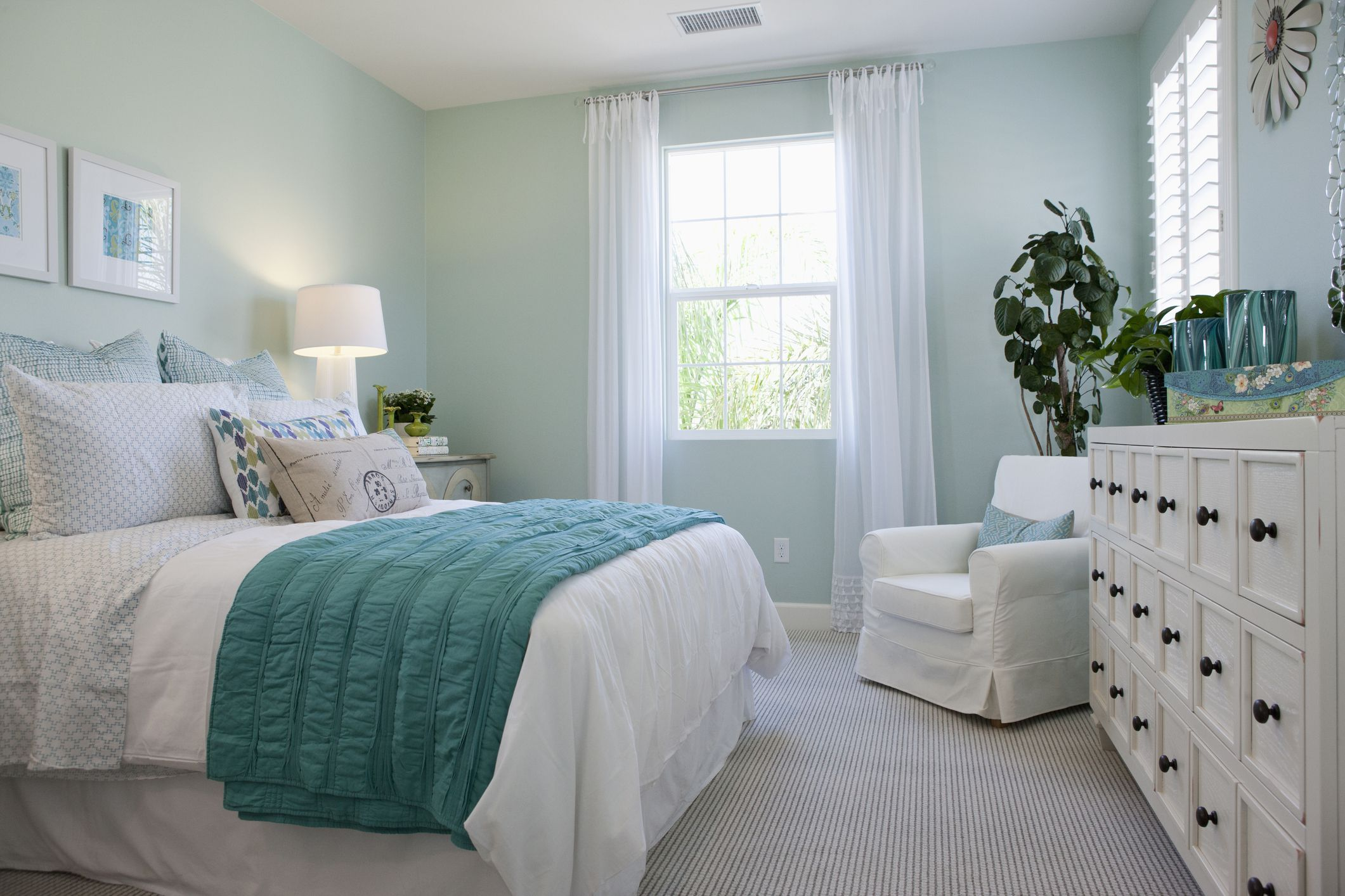 How to Choose the Right Paint Colors for Your Bedroom on Good Bedroom Ideas For Small Rooms  id=20970