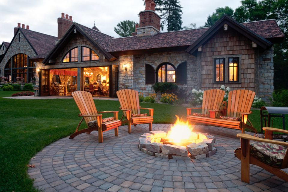 25 Great Patio Paver Design Ideas on Small Backyard Brick Patio Ideas id=50699