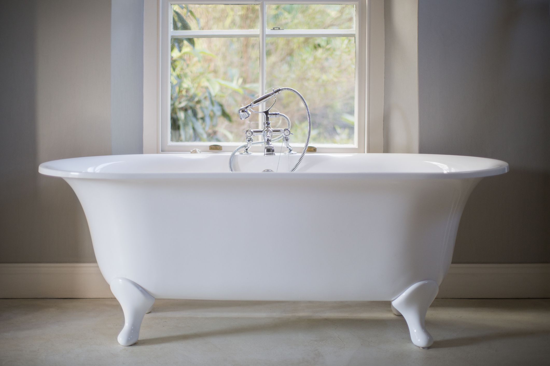 Repairing A Bathtub That Has Already Been Refinished