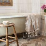 9 Ways To Style A Bathroom With A Clawfoot Tub