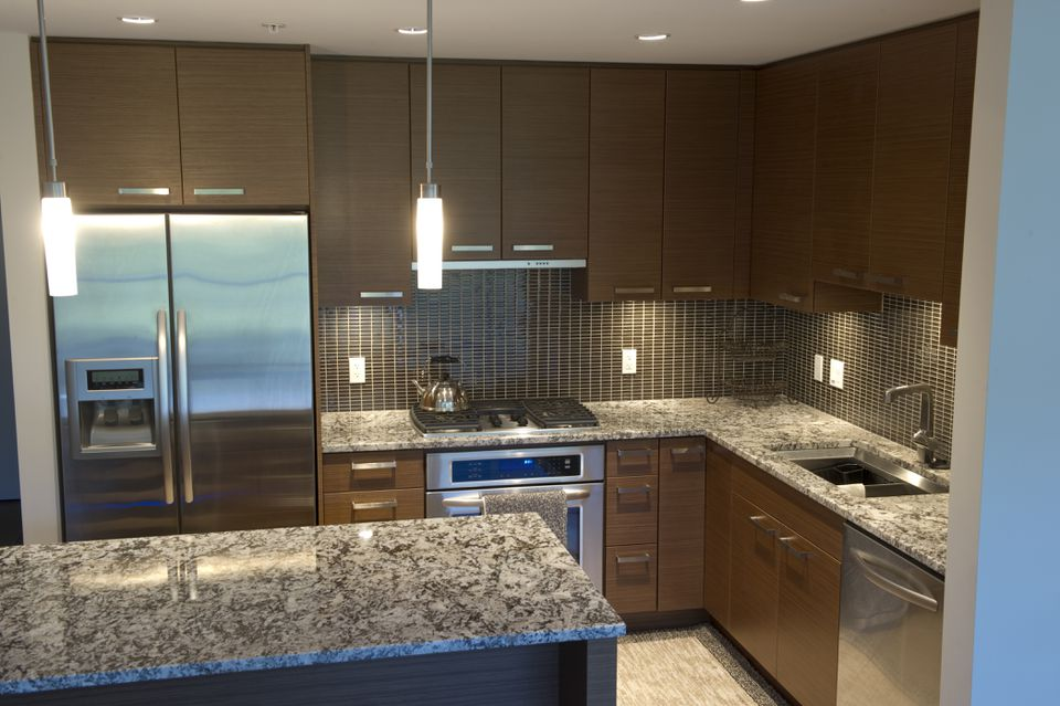 How to Choose the Best Colors for Granite Countertops on What Color Cabinets Go Best With Black Granite Countertops  id=16095