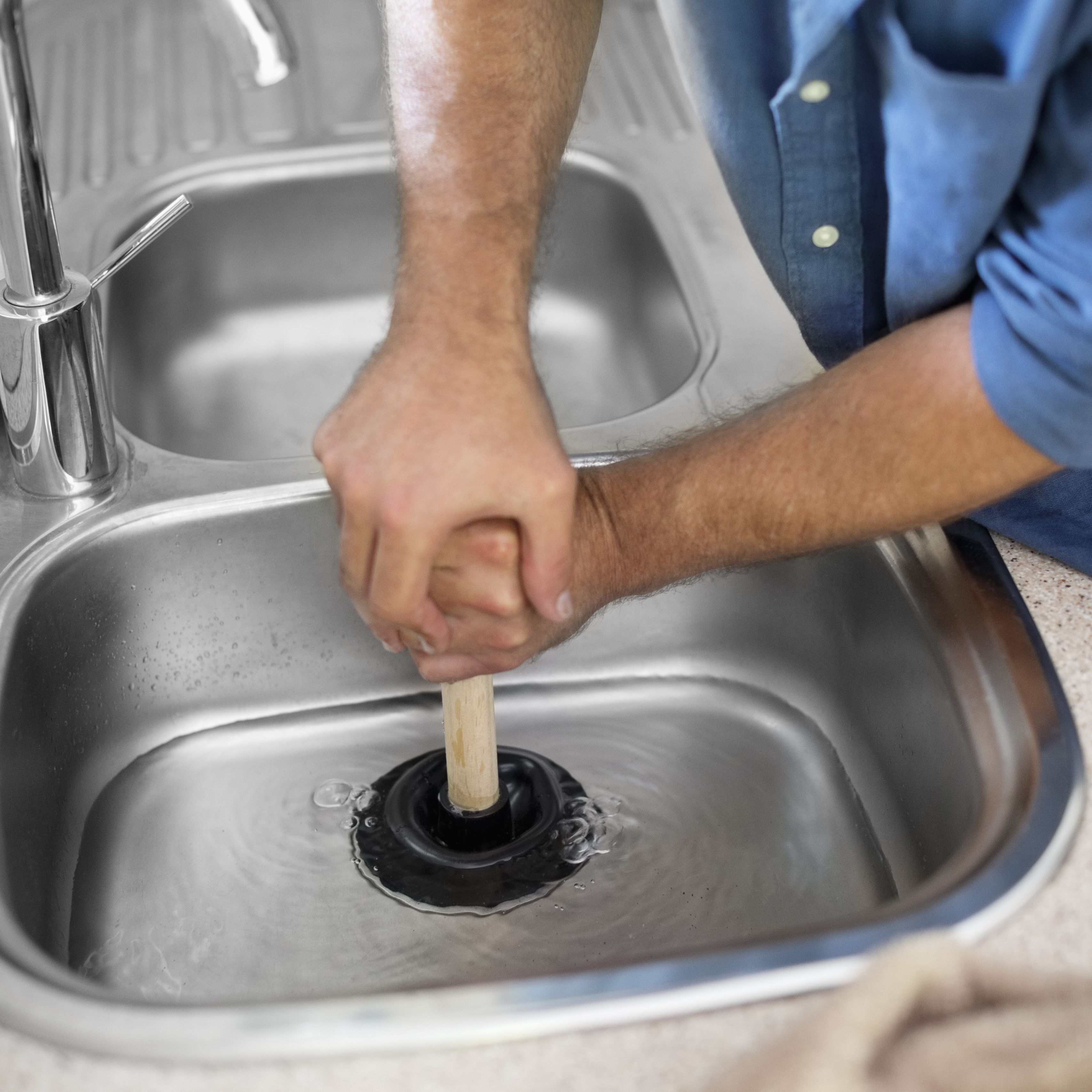 how to unclog a kitchen sink