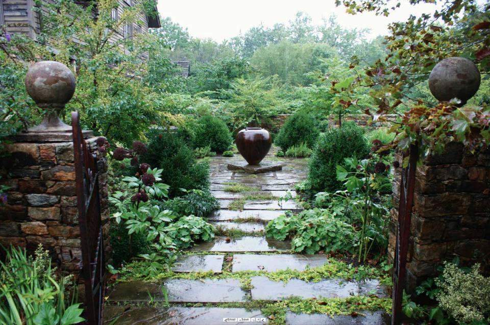 15 Inspiring Shade Garden Ideas on Shady Yard Ideas  id=92866