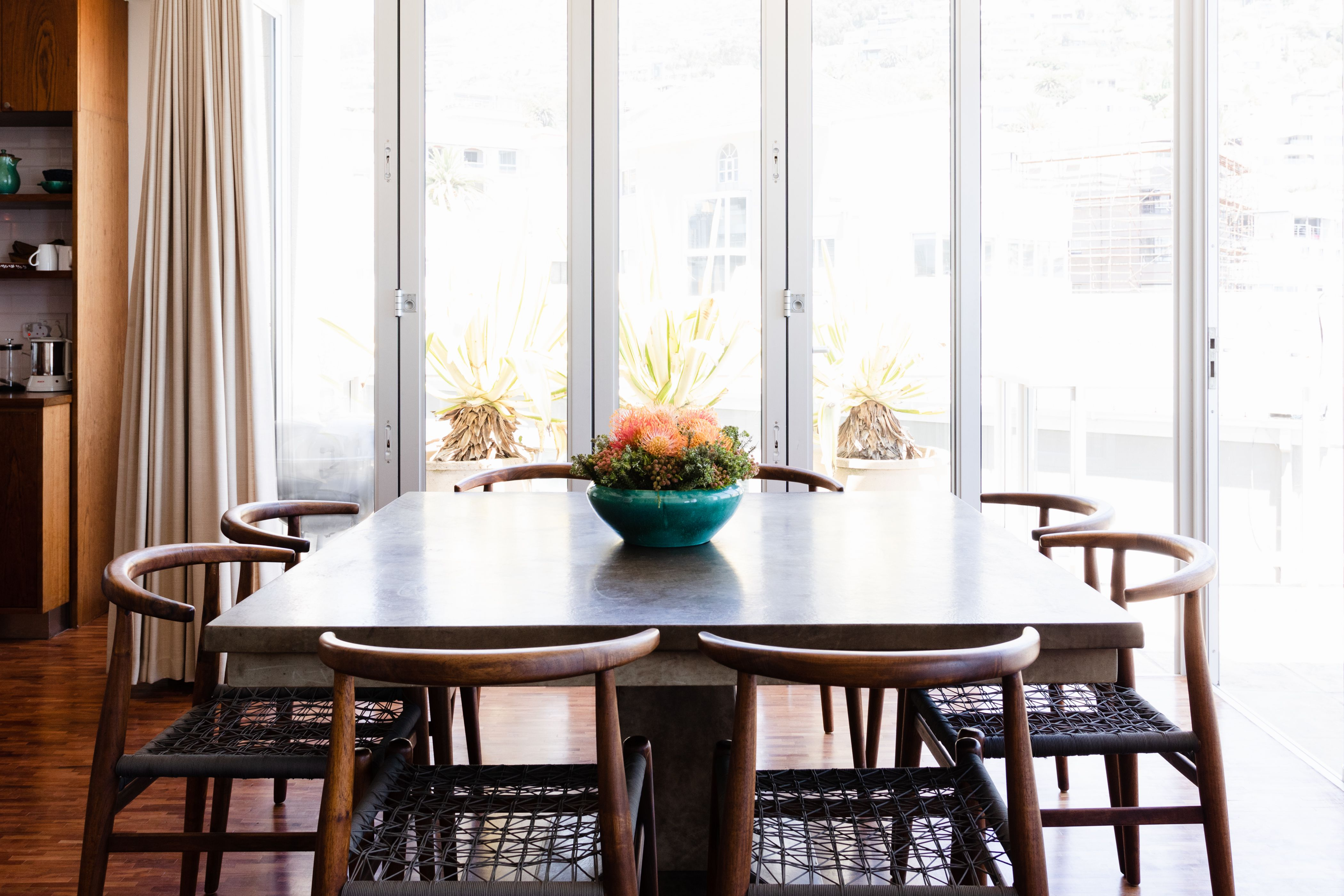 standard dining table measurements