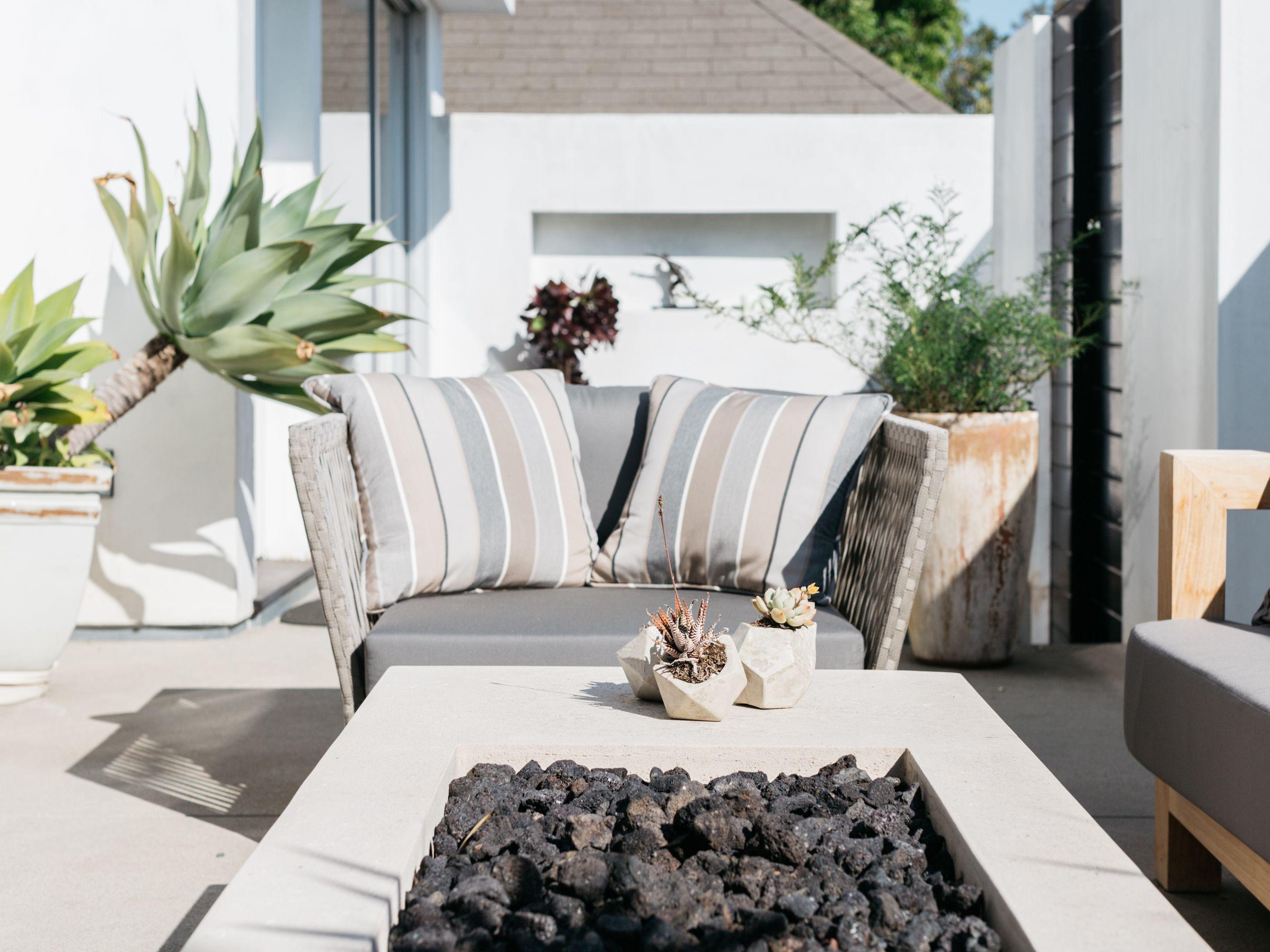 10 creative and inexpensive diy patios