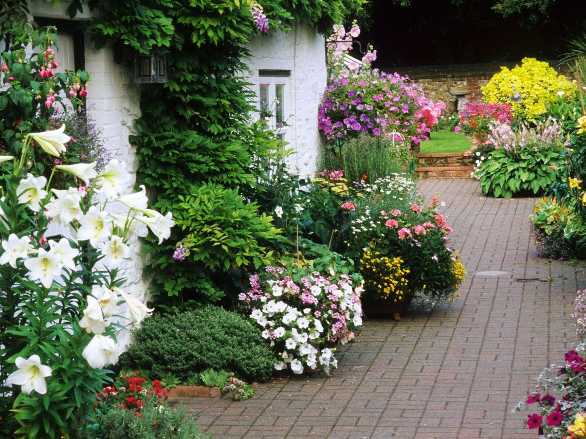 7 Flower Garden Designs You Ll Love