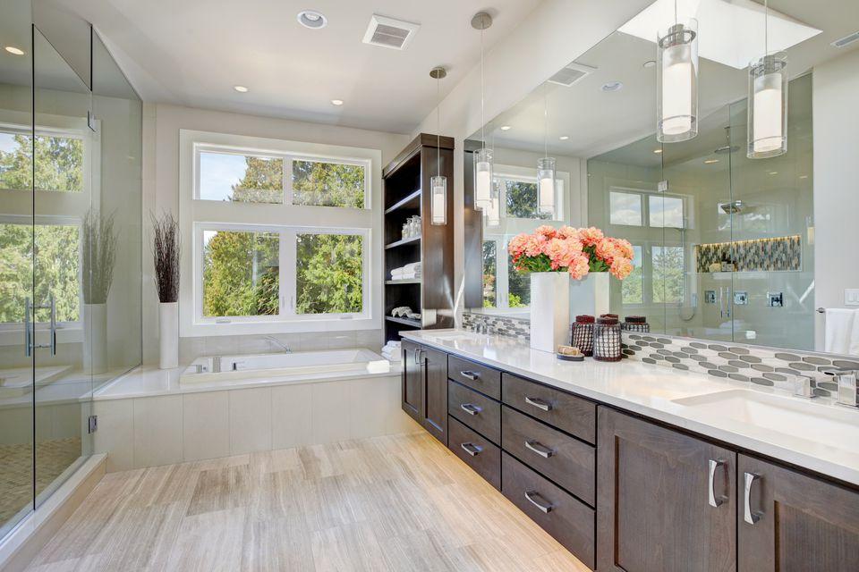Bathroom Remodel Ideas That Pay Off on Bathroom Renovation Ideas  id=38300