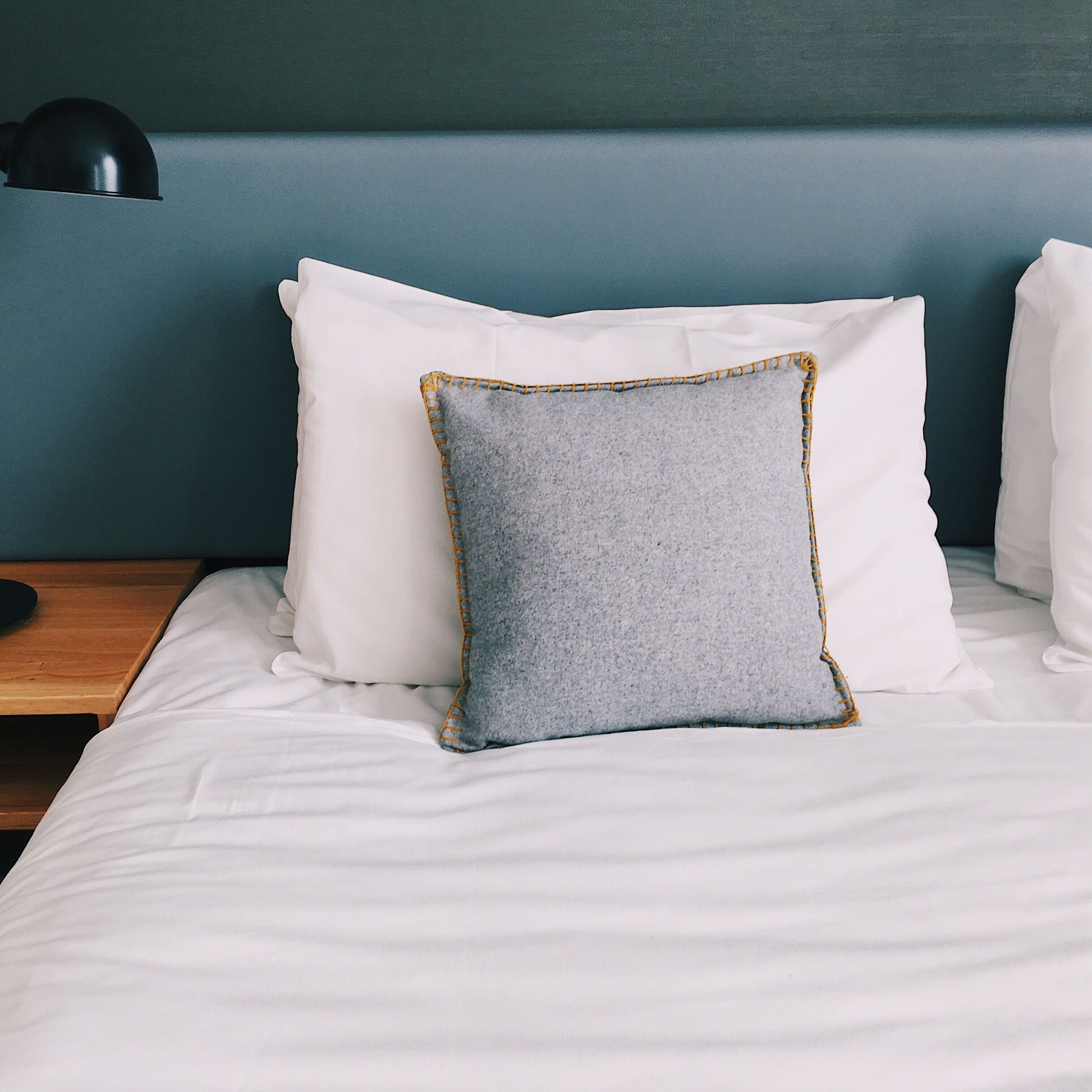 a guide to buying a bed pillow