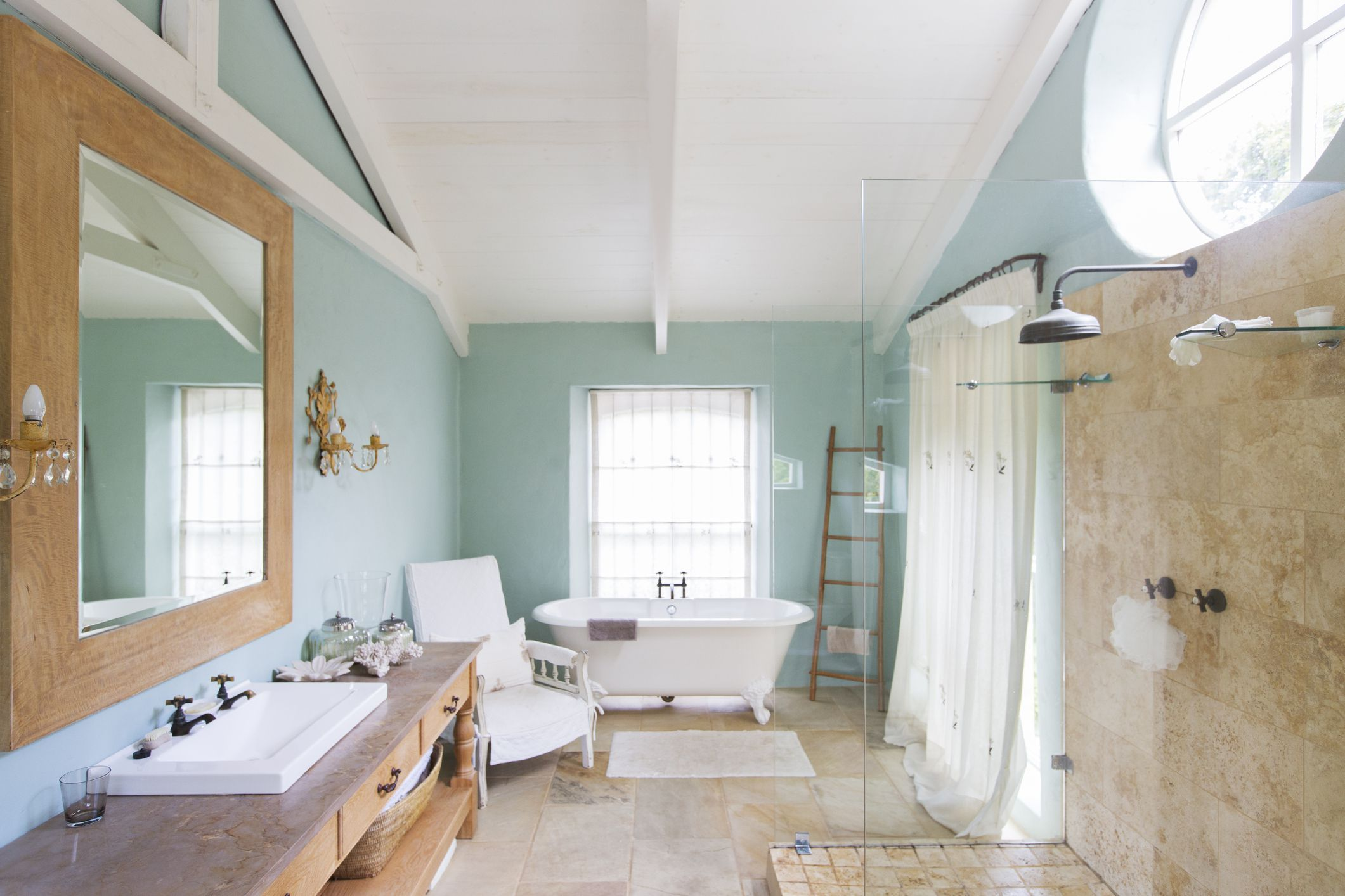 Green Paint Small Bathrooms