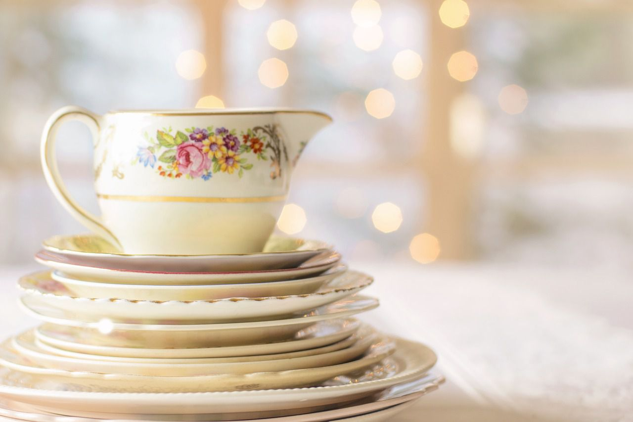 Differentiating Fine China Porcelain And Dinnerware