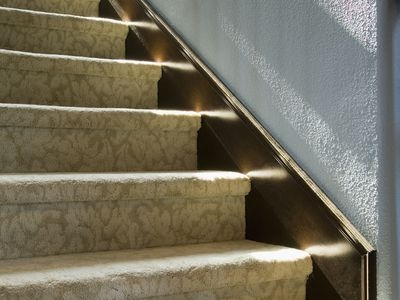 How To Choose The Best Carpet For Stairs | Textured Carpet On Stairs | Floral | Wide Stripe | Short Cut Pile | Stylish | Brown