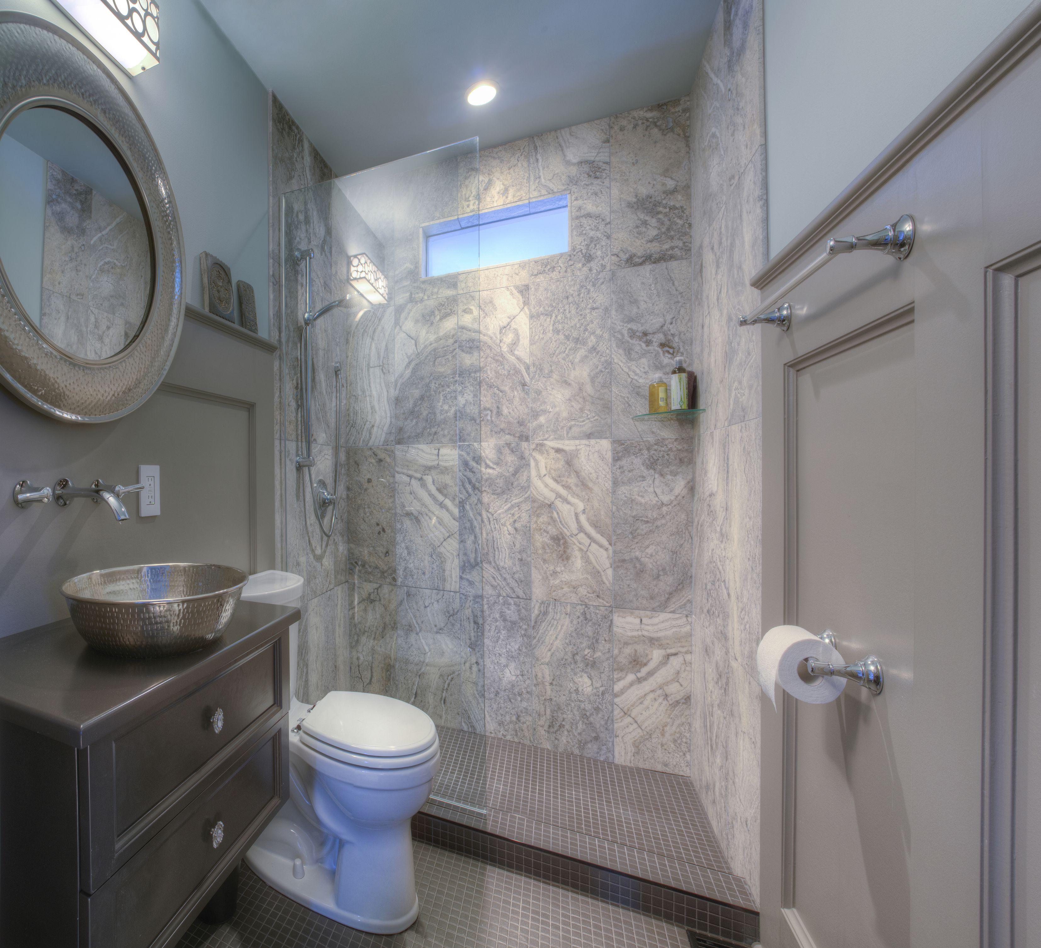 25 Professional Small Bathroom Design Tips on Small Bathroom Ideas Photo Gallery id=44727