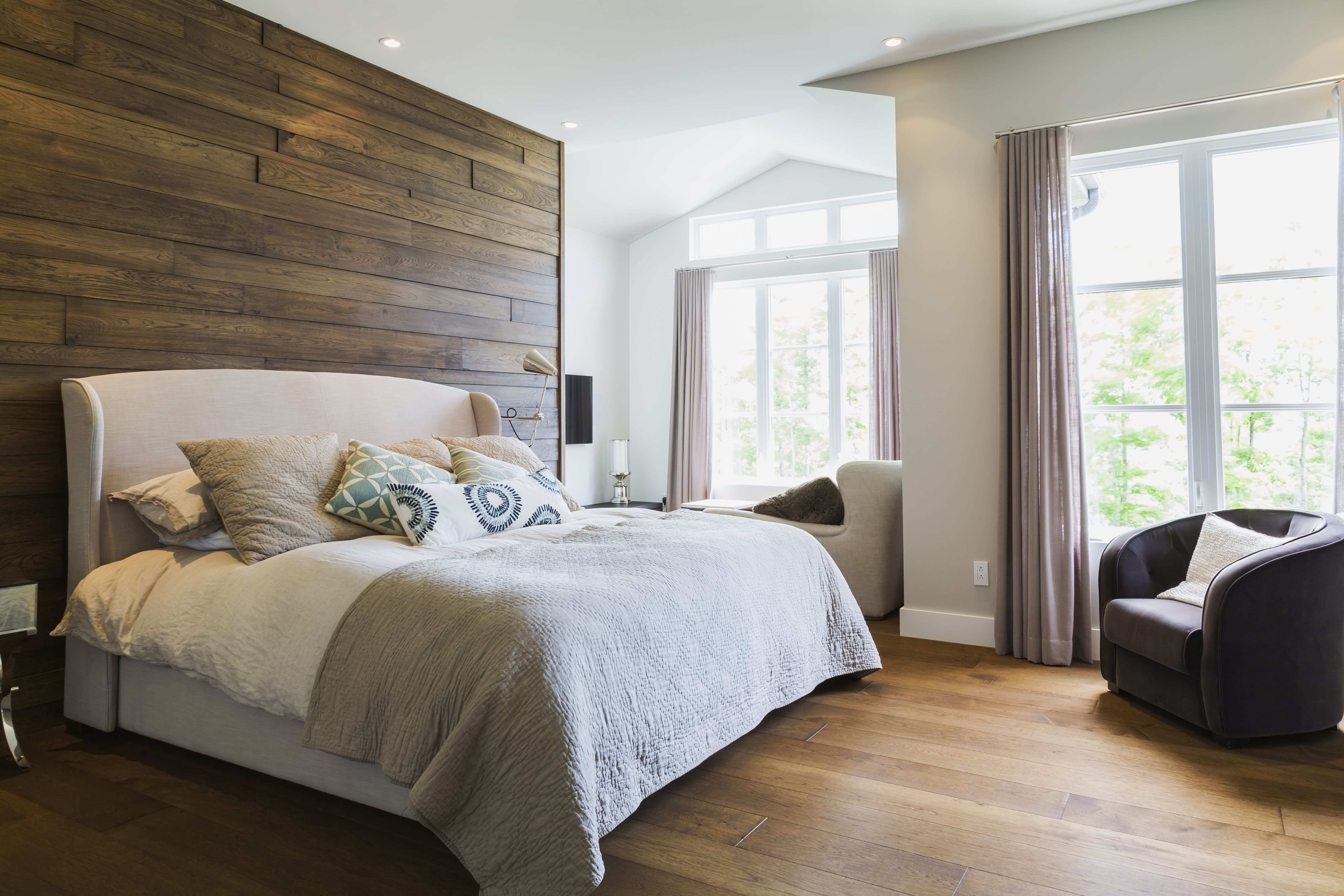 10 Tips for Decorating a Beautiful Bedroom on Beautiful Room Decoration  id=85894