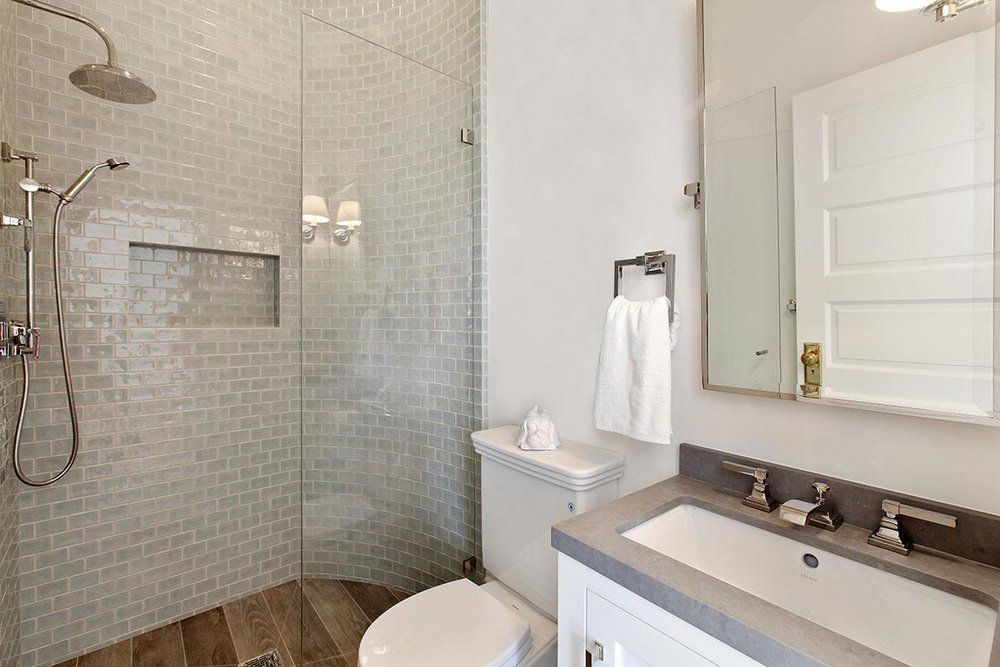 Small Bathrooms Brimming With Style and Function on Small Space Small Bathroom Ideas Pinterest id=71511