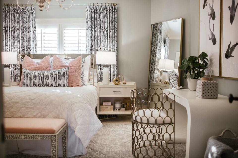 Teen Girl Bedroom Ideas on Teen Rooms Girl  id=26124