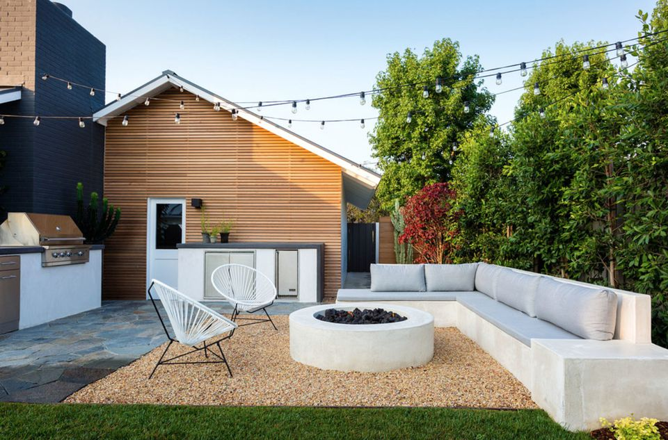 50 Backyard Landscaping Ideas to Inspire You on Back Patio Landscape Ideas id=52101