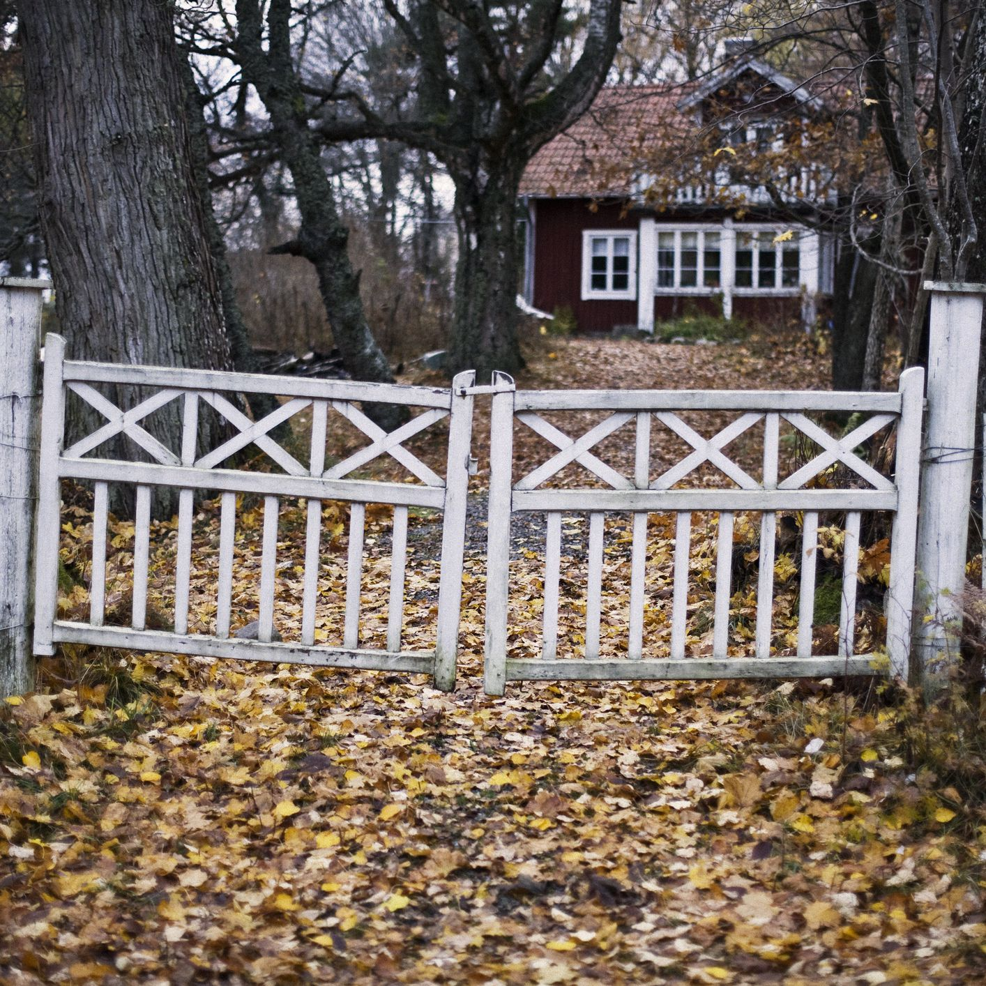 to fix a sagging wood or metal fence gate