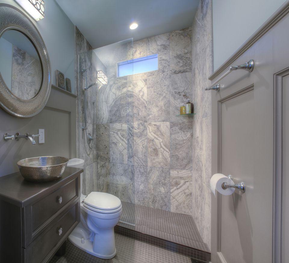 25 Professional Small Bathroom Design Tips on Small Space Small Bathroom Tiles Design  id=25191