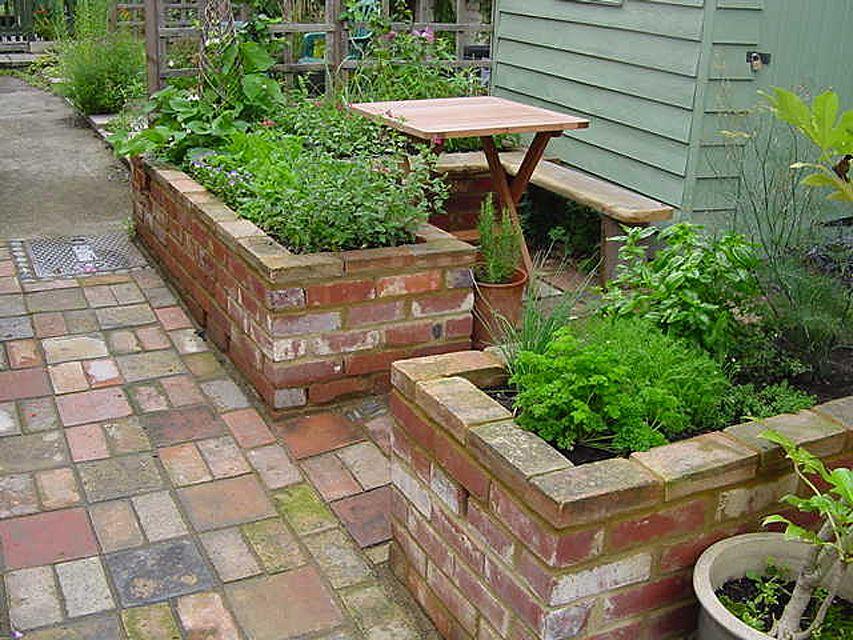 15 Raised Bed Garden Design Ideas on Backyard Raised Garden Bed Ideas id=40215