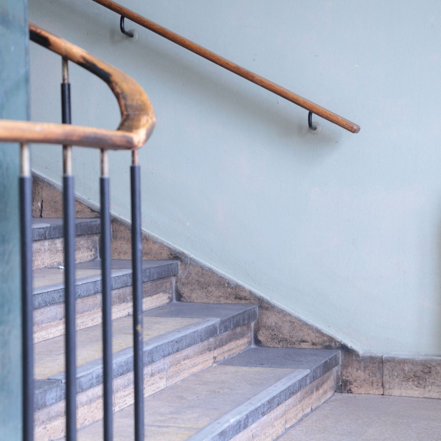 Stair Railing Building Code Summarized | Handrails For Stairs Interior | Staircase Handrail | Rectangular Tube | Residential | Barnwood Rustic | Industrial