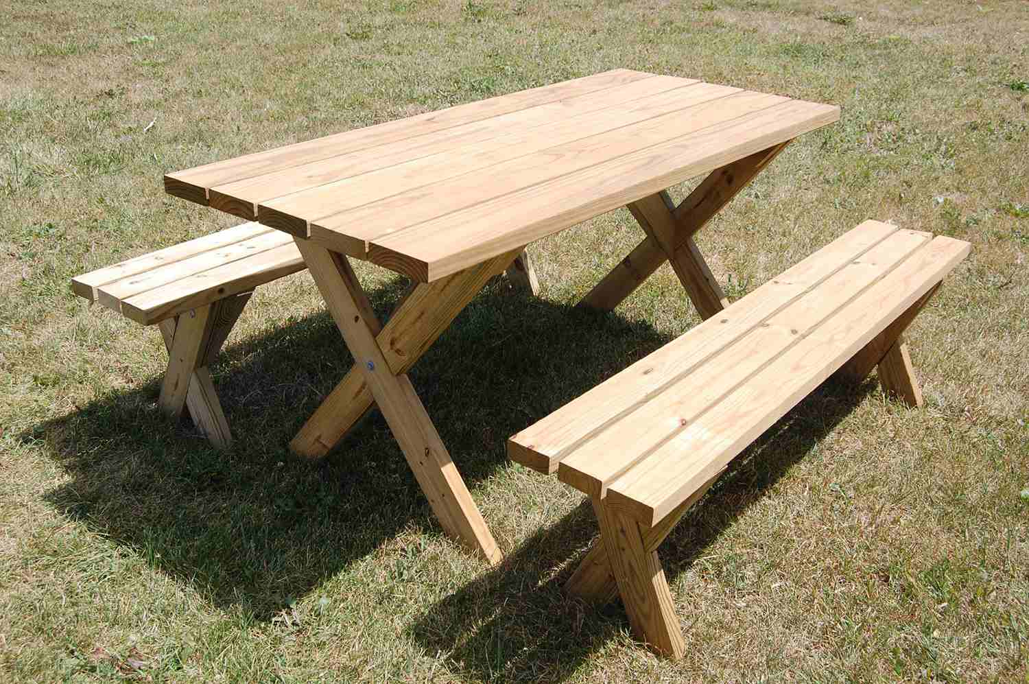 13 free picnic table plans in all