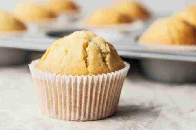 Easy Vanilla Muffins Recipe