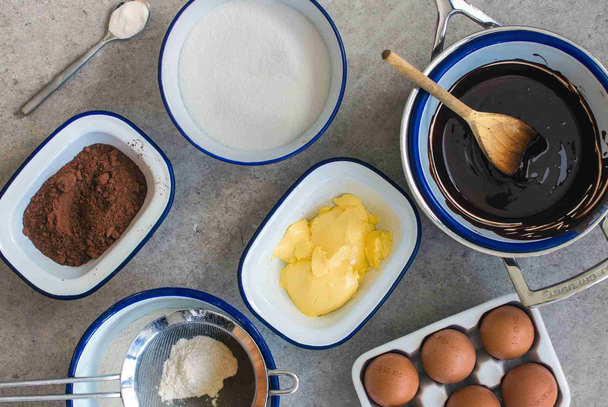 Learn How To Bake A Cake In 10 Steps