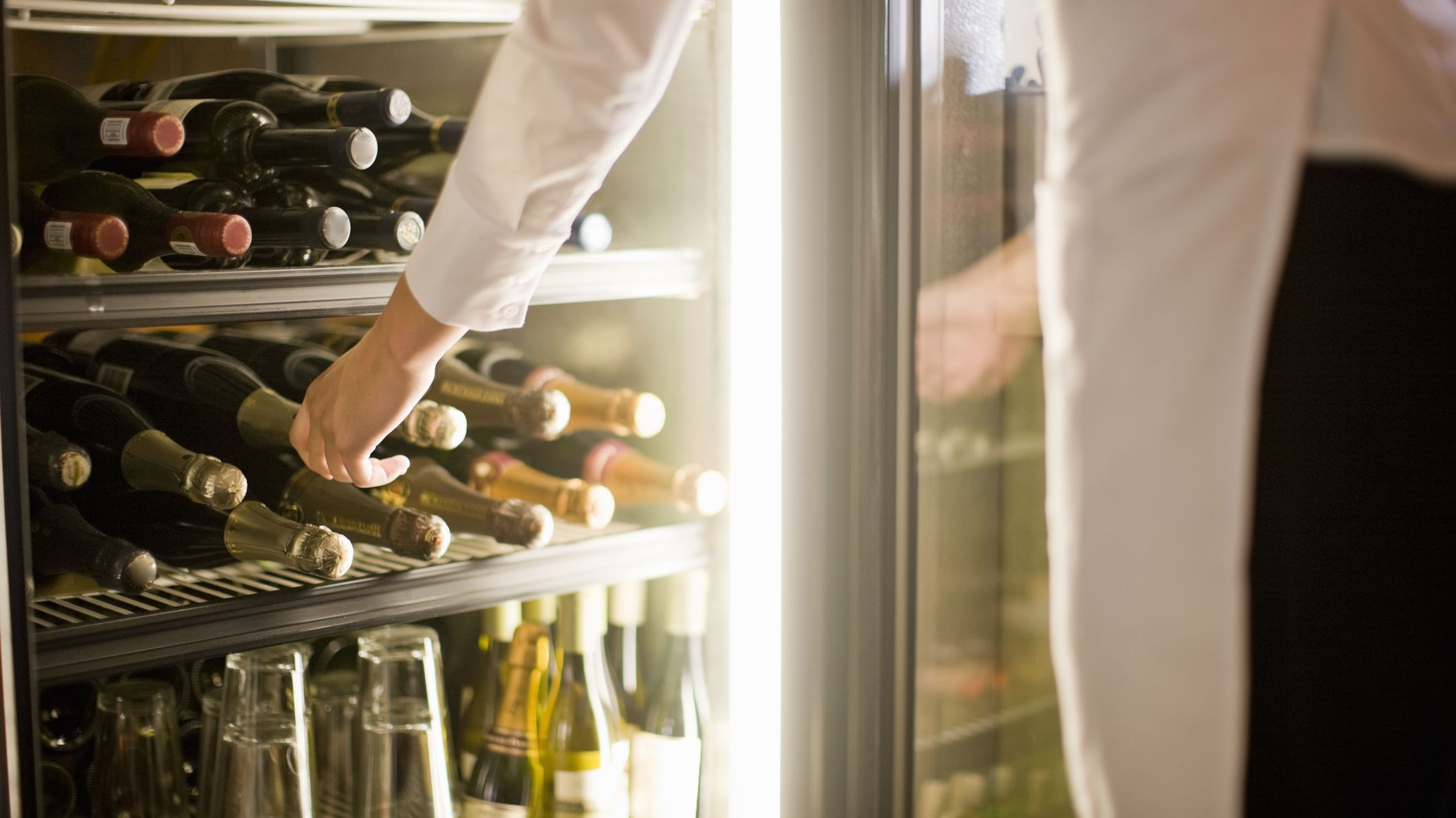 can you store wine in the refrigerator