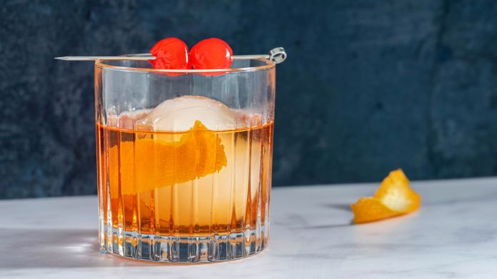 The Classic Whiskey Old Fashioned Cocktail Recipe