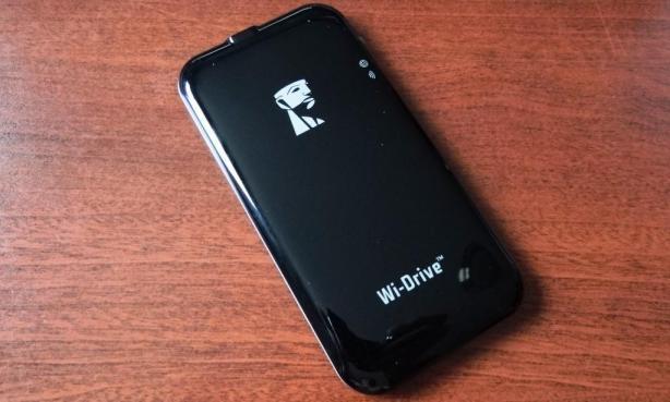 Kingston 128GB Wi-Drive Angled