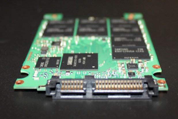Samsung SM843 - Side