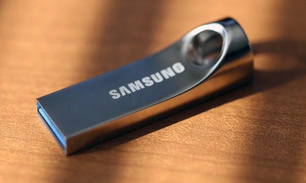 Samsung 32GB Flash Drive